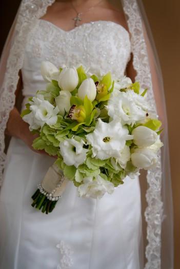 Brautstrauß Weiß  Brautstrauß mit Tulpen in Weiß