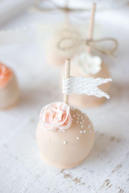Cake Pop Hochzeit  Pin von Niki Pilly auf ♥ Cake Pops ♥ Pinterest