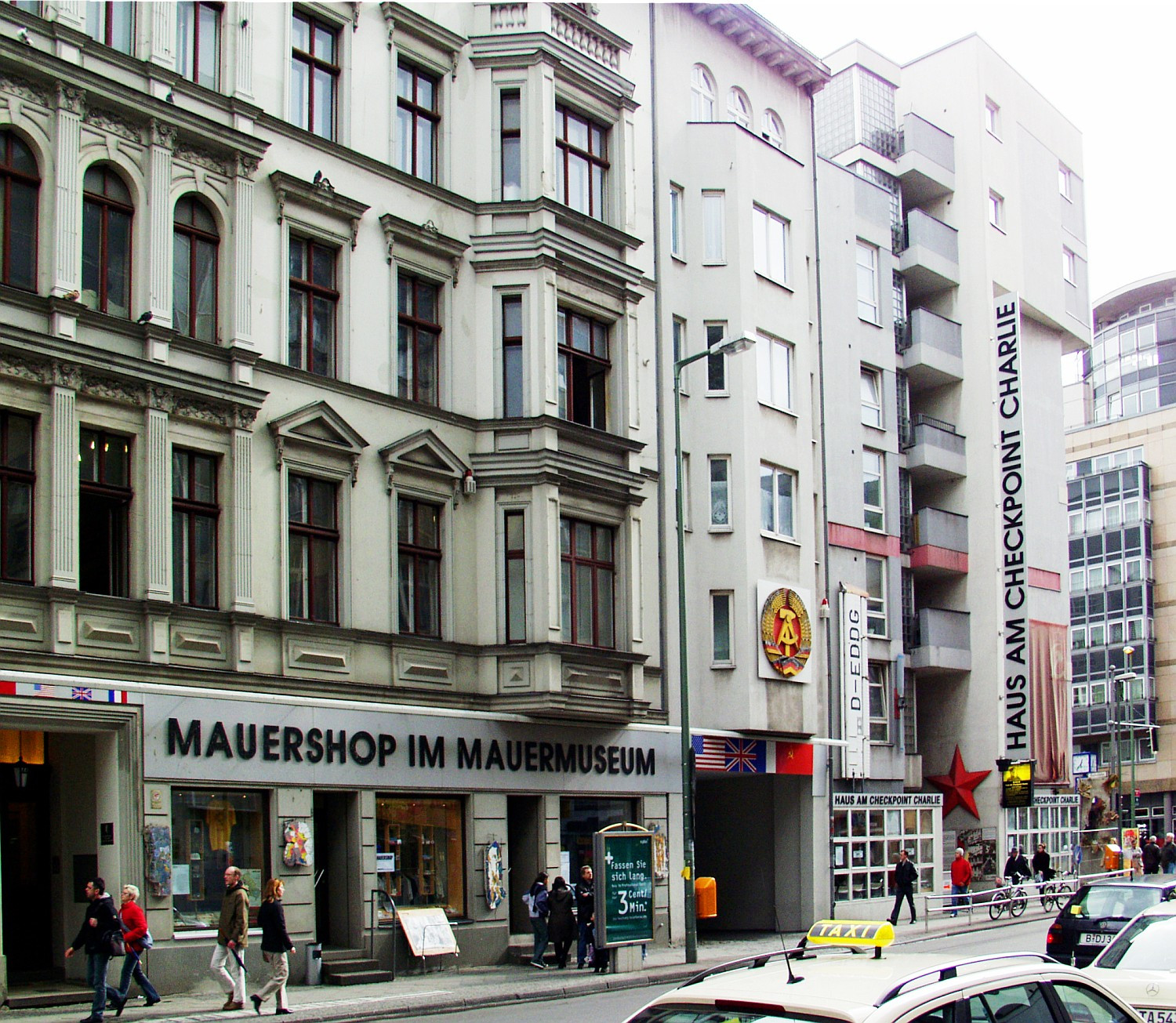 Car Haus Berlin  Checkpoint Charlie Museum