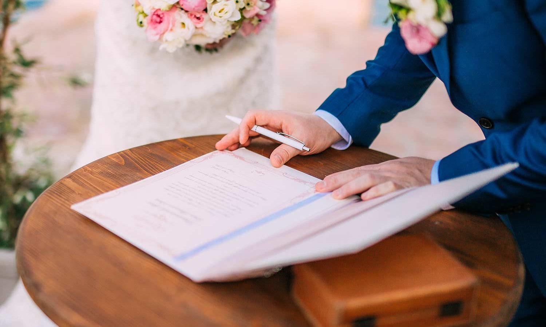 Checkliste Namensänderung Nach Hochzeit  Die Namensänderung nach der Hochzeit Was muss ich beachten