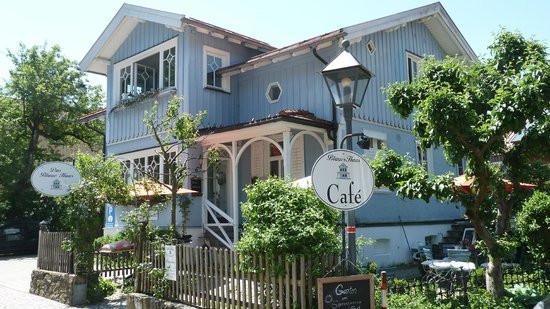 Das Blaue Haus  Das Blaue Haus von aussen Bild von Cafe Blaues Haus