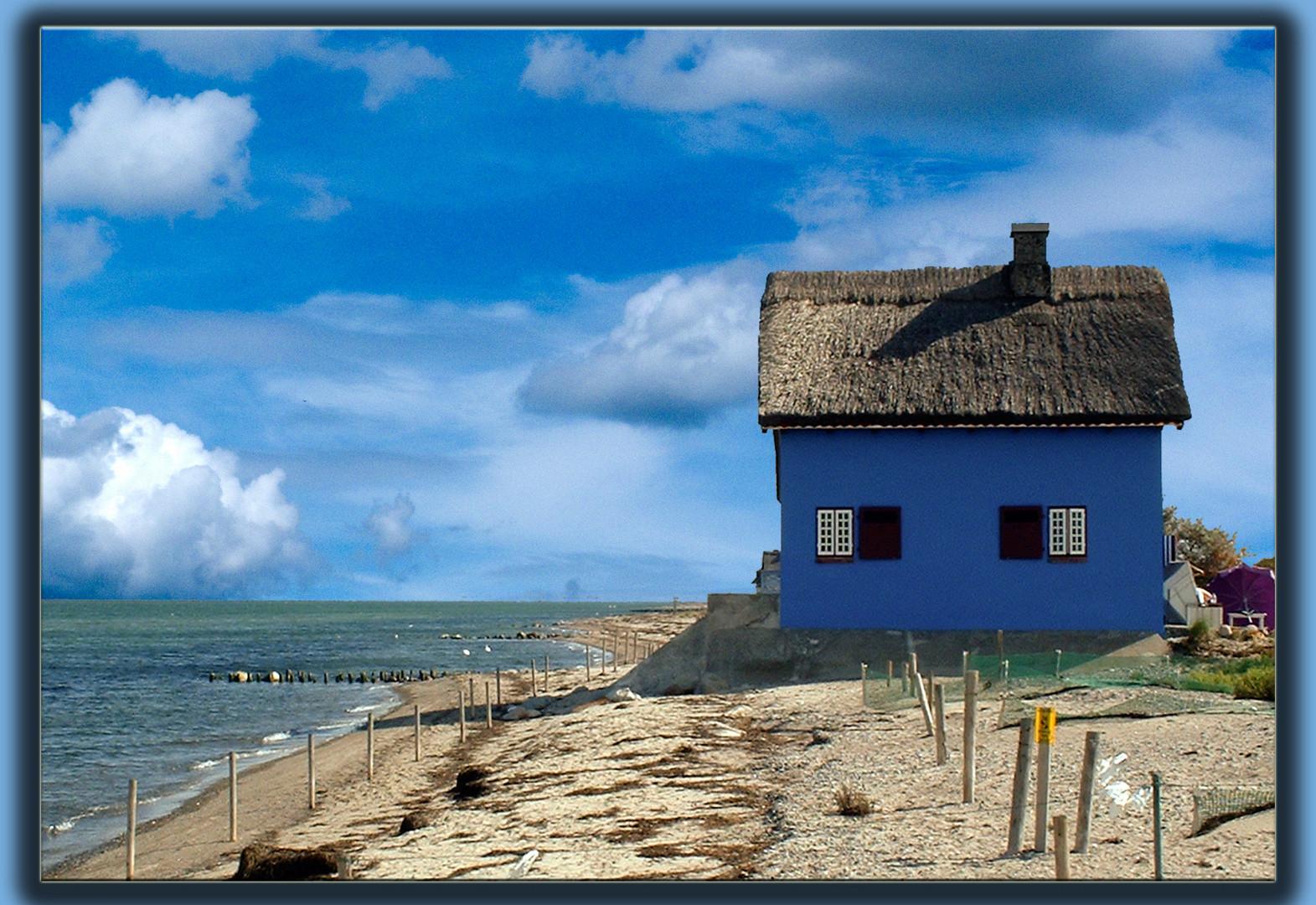 Das Blaue Haus  Das blaue Haus an der Ostsee Foto & Bild