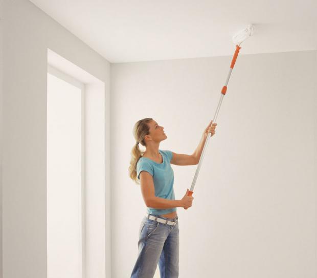 Decke Streichen  Decke und Wand streichen – so wird s gleichmäßig weiß