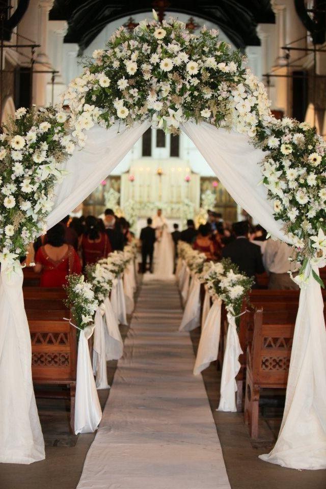 Deko Hochzeit Kirche  Hochzeit Blumenschmuck 22 romantische Vorschläge Deko