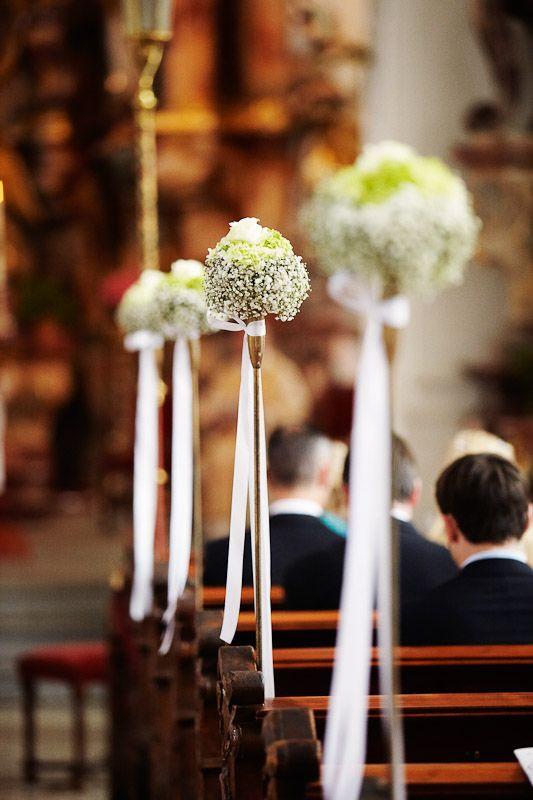 Deko Hochzeit Kirche  decoration in church Blumenschmuck in der Kirche bei