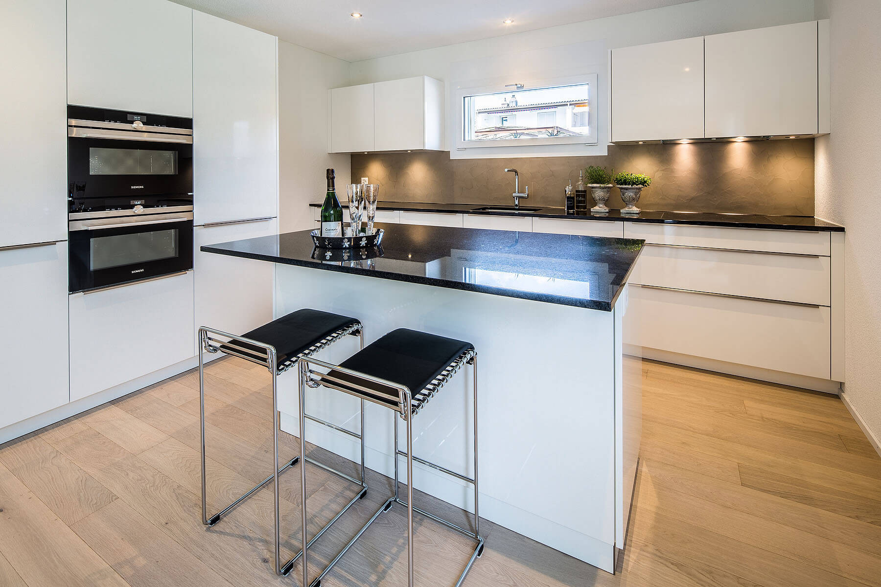 Design Küchen  Wir bauen und planen Küchen für Mietwohnungen und