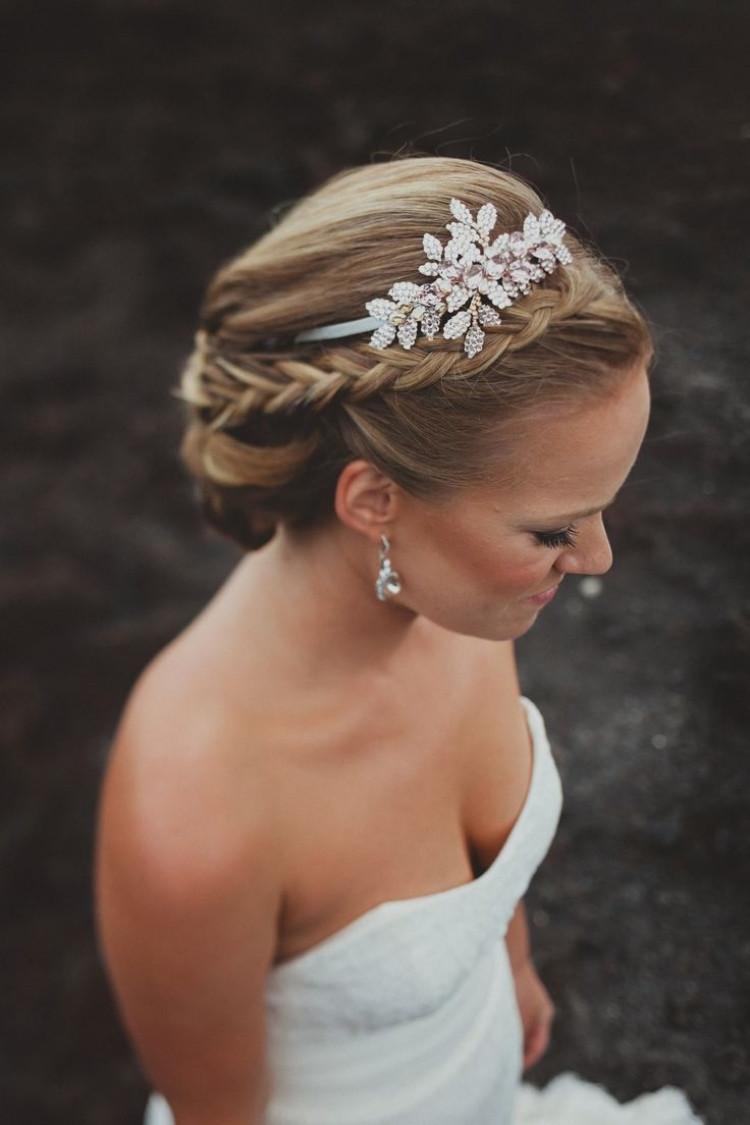 Diadem Hochzeit  Diadem für Hochzeit Brautfrisuren Ideen und Tipps zum Kauf