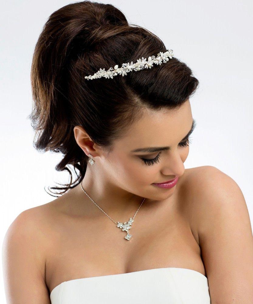 Diadem Hochzeit  Die besten 25 Hochzeitsfrisur diadem Ideen auf Pinterest