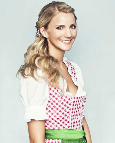 Dirndl Frisuren Offene Haare  Die Welt der kleinen Anna Anna stylt Oktoberfest