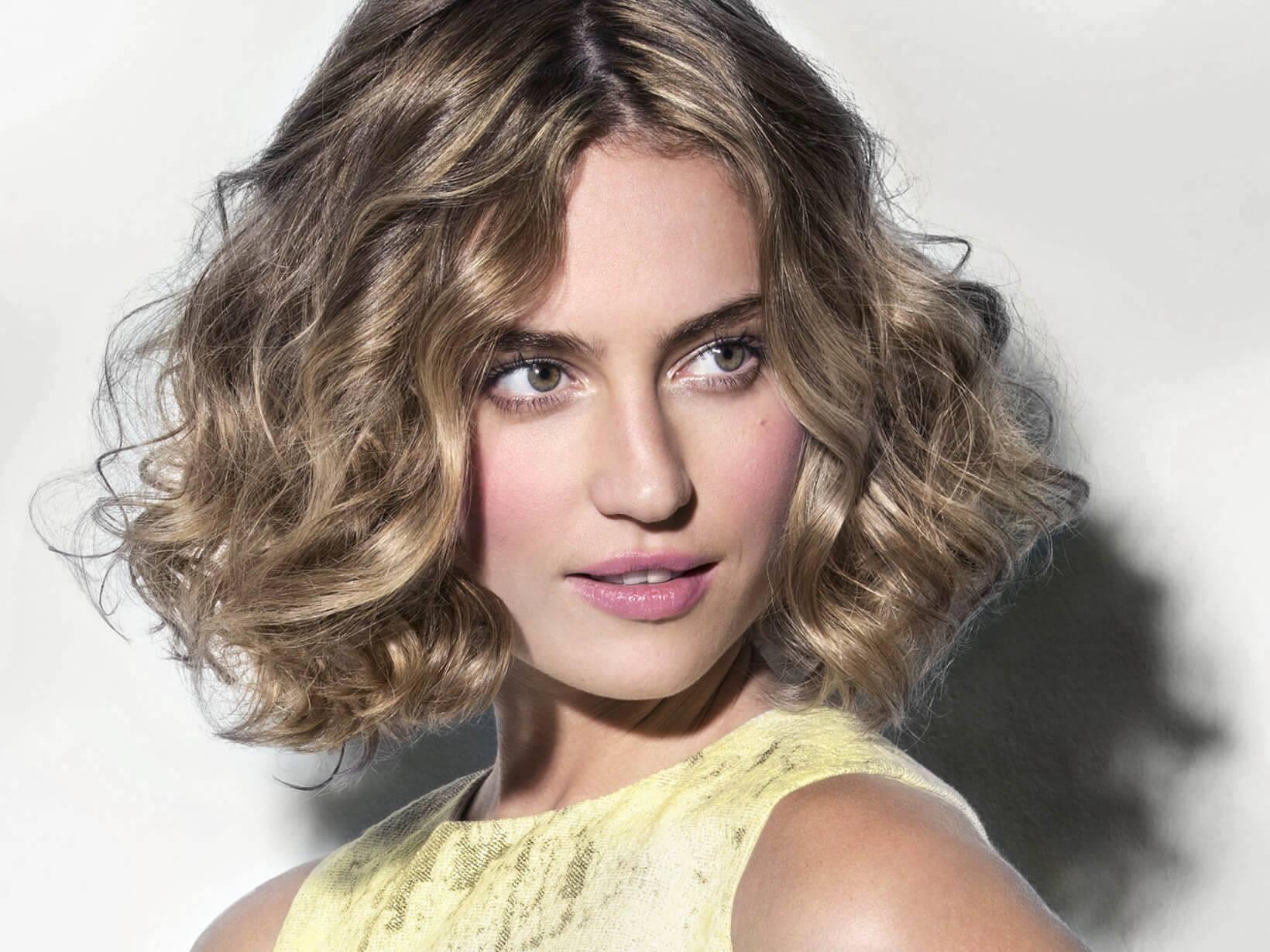 Dirndl Frisuren Offene Haare  Dirndl Frisuren Trachtenfrisuren zum Nachmachen – NIVEA