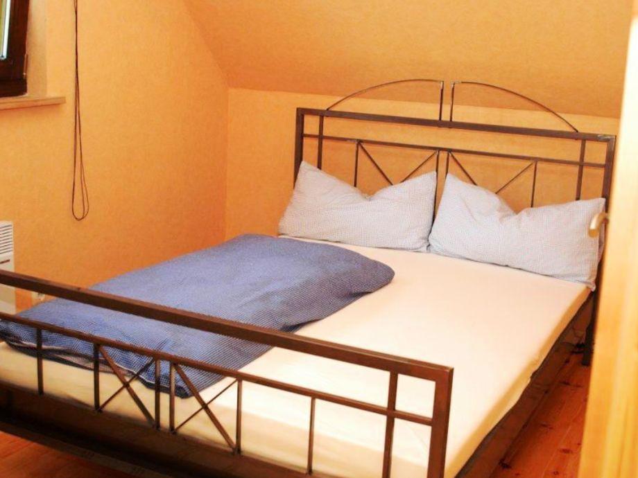"""Doppelbett 1 40x2 00  Ferienhaus """"Blockbohlenhaus"""" Dithmarschen Firma das"""