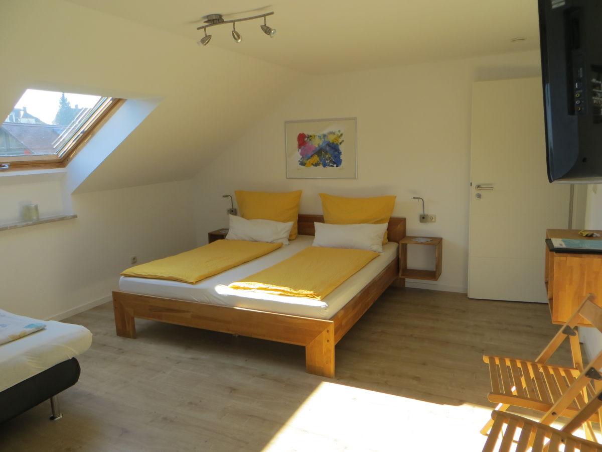 Doppelbett 1 40x2 00  Ferienwohnung B im Gästehaus Sommertal Meersburg Firma