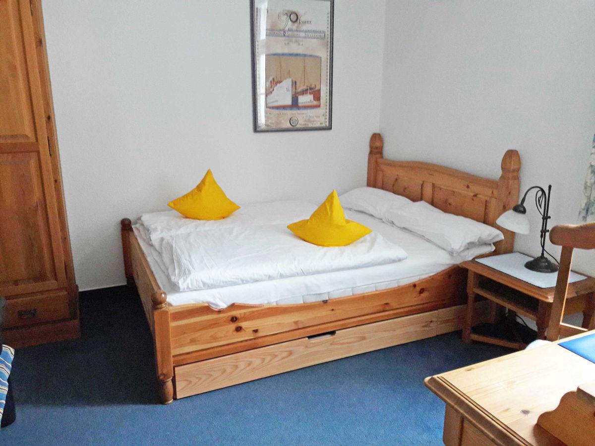 """Doppelbett 1 40x2 00  Ferienwohnung 6 """"Sonneninsel"""" in der Villa Li Sellin"""