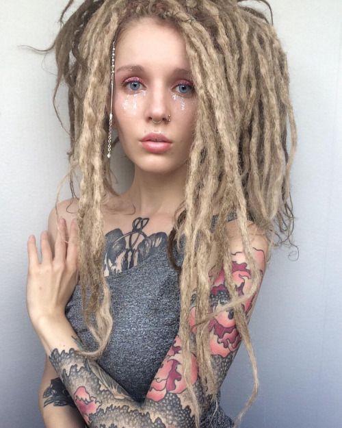 Dread Frisuren  model Alena German LOVE THIS