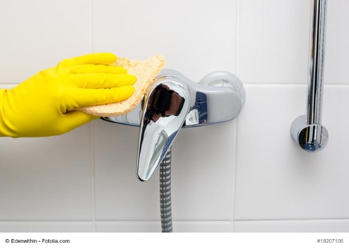 Dusche Reinigen  Duschkabine reinigen – Anleitung und Tipps gegen Kalk und