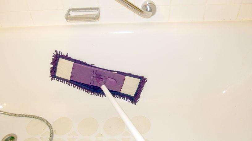 Dusche Reinigen  Mit Wischmop Badewanne & Dusche ohne Rückenschmerzen reinigen