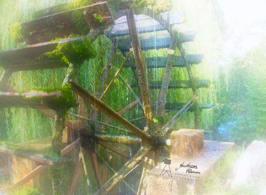 Es Klappert Die Mühle Am Rauschenden Bach  Wasserräder und turbinen Bilder & Fotos