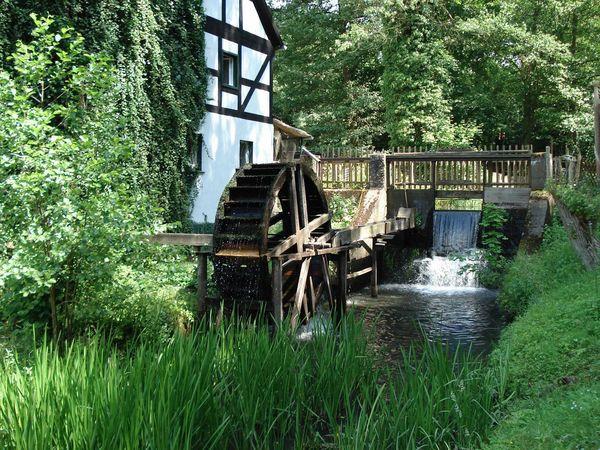Es Klappert Die Mühle Am Rauschenden Bach  Es klappert Mühle am rauschenden Bach