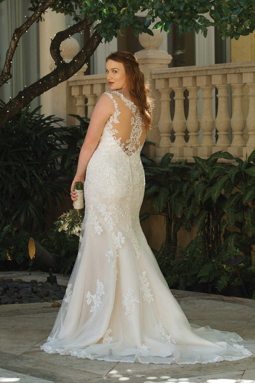 Fit And Flare Hochzeitskleid  BRAUT
