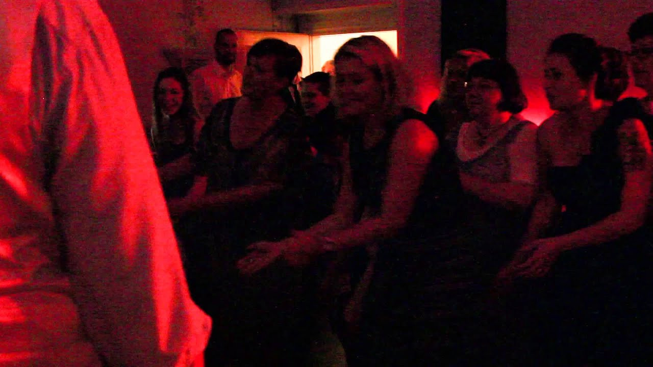 """Flashmob Hochzeit  Flashmob """"Happy"""" zur Hochzeit von Katrin & Giuseppe 12 07"""