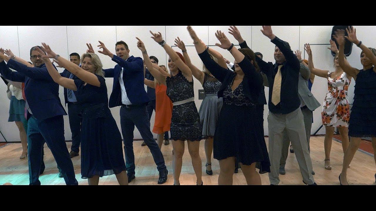 Flashmob Hochzeit  Hochzeit Flashmob Happy Pharrell Williams