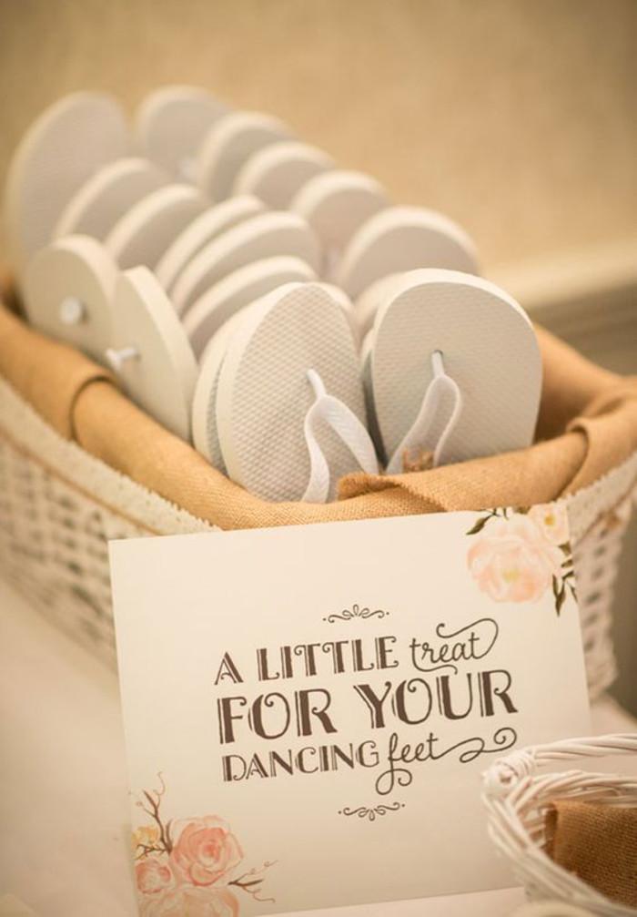 Flip Flops Hochzeit Gäste  Tolle und leichte Ideen wie Sie Hochzeitsgeschenke für