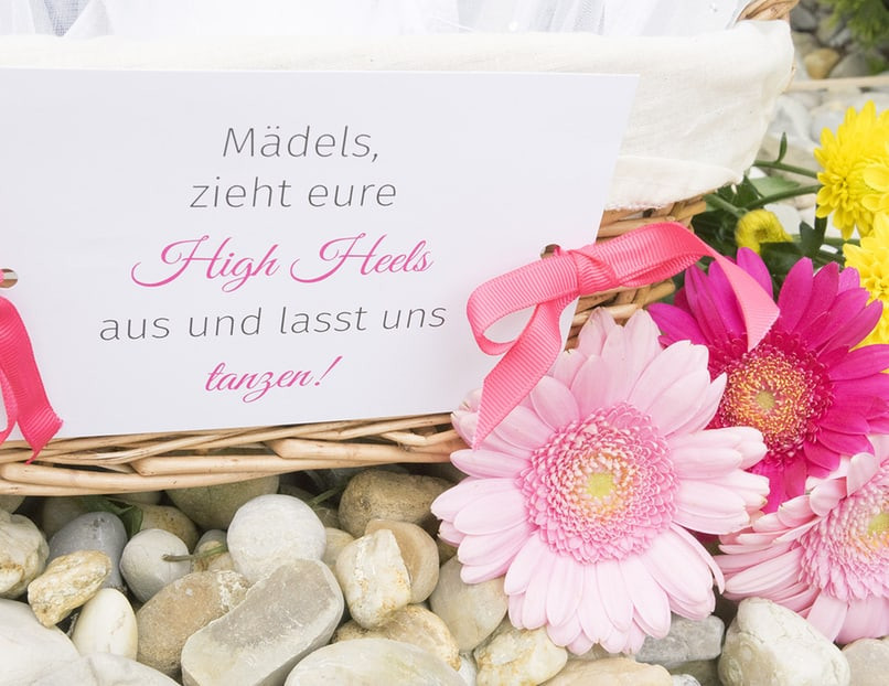 Flip Flops Hochzeit Gäste  Flip Flops für Hochzeit La s raus aus den High
