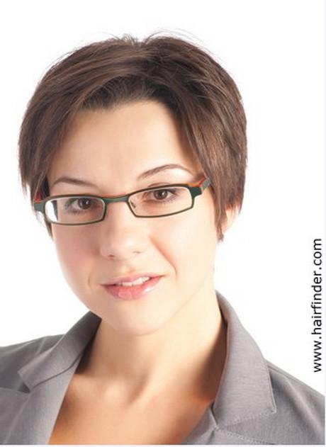 Frisuren Brillenträger  Kurzhaarfrisuren damen brillenträger