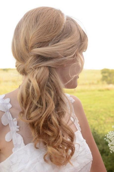 Frisuren Hochzeit Halboffen  Frisuren hochzeit halboffen