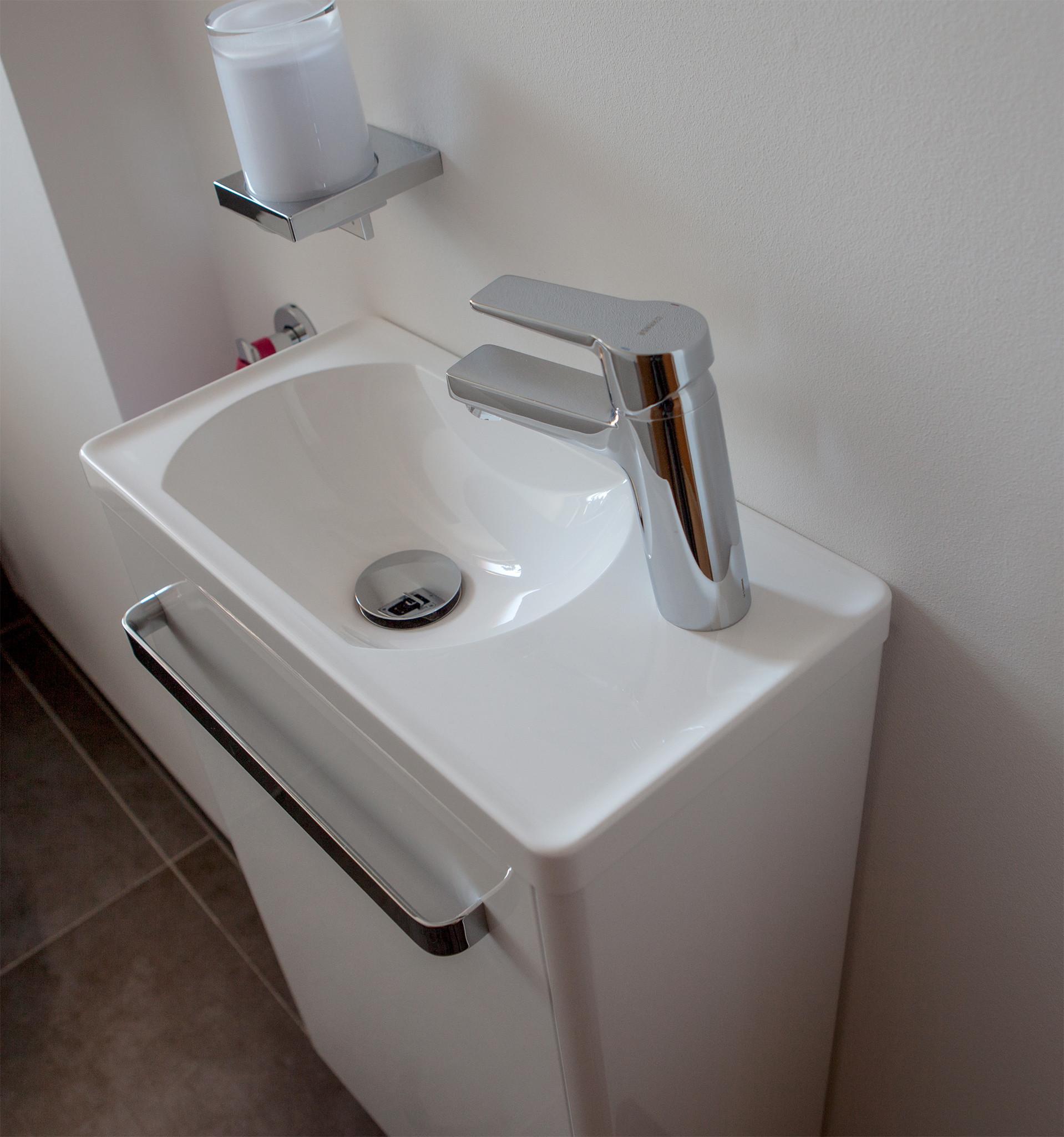 Gäste Wc Waschtisch  Gäste WC Waschbecken für schmale Toilette
