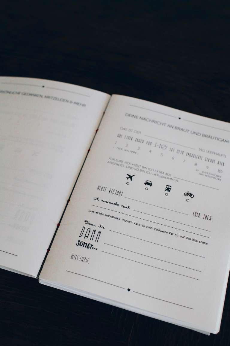 Gästebuch Hochzeit Gestalten Vorlagen  DIY Hochzeit Gästebuch selbst gestalten und binden