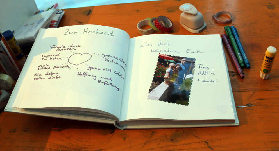 Gästebuch Hochzeit Gestalten Vorlagen  So gestaltest du das Gästebuch zur Hochzeit als bleibende