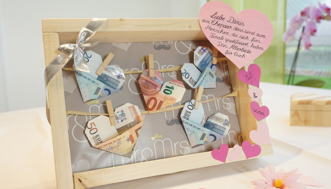 Geldgeschenk Hochzeit Reise  Geldscheine an der Wäscheleine zur Hochzeit