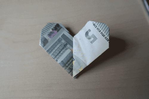 Geldscheine Falten Hochzeit Herz  Herz aus Geld falten Anleitung