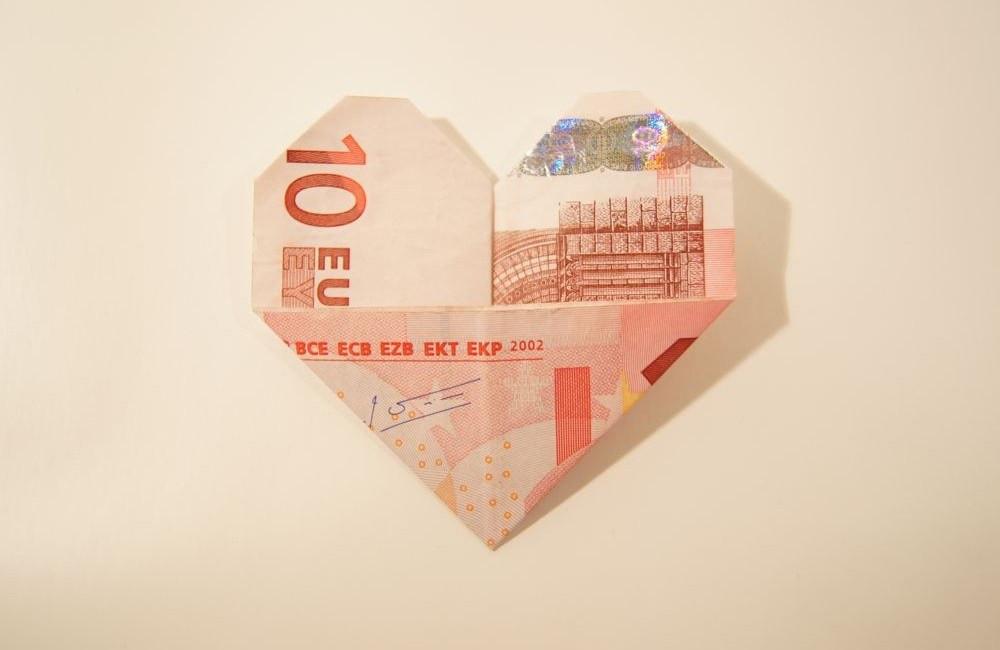 Geldscheine Falten Hochzeit Herz  Geldscheine einfach und schnell zum Herz falten inkl