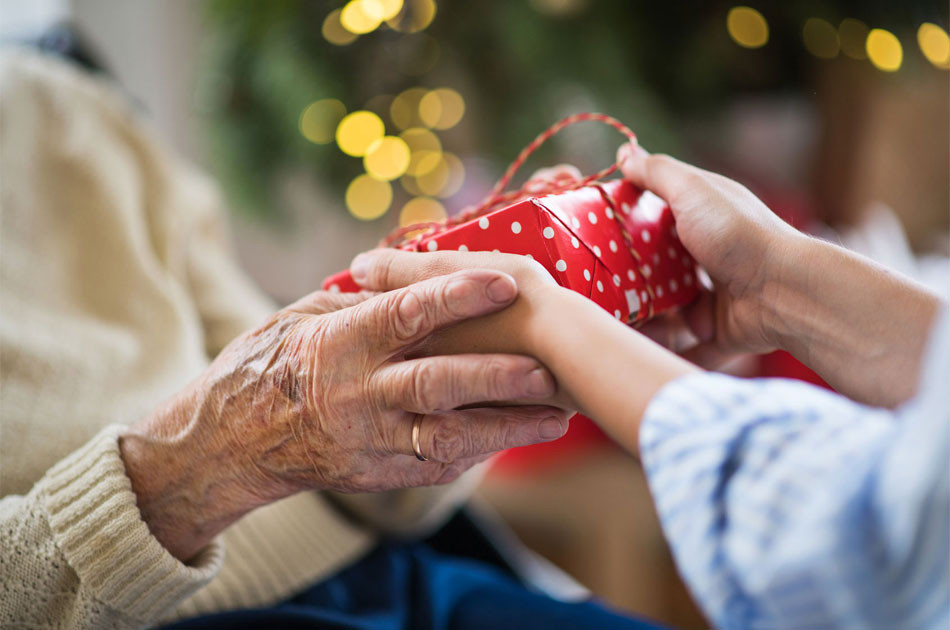 Geschenke Für Senioren  Sinnvolle Geschenke für Senioren bzw ältere Angehörige