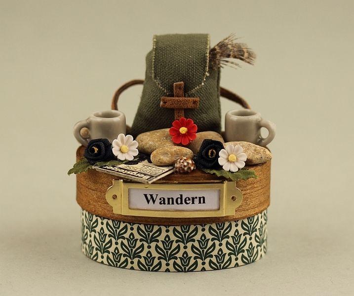 Geschenke Für Wanderer  Wandern kl Miniatur Deko Dose