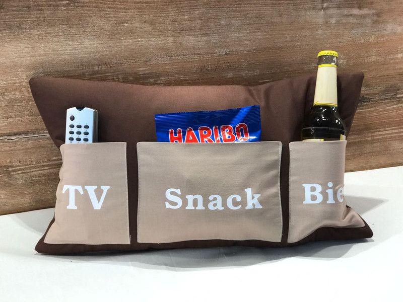 Geschenke Für Werdende Großeltern  Geschenke für Männer Vatertagskissen TV Snack Bier