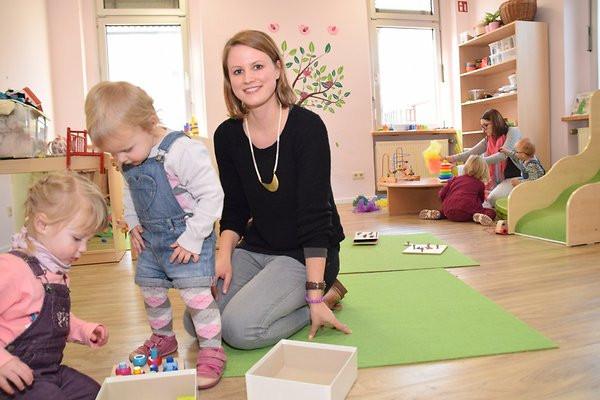 """Geschenkideen Für Junge Mütter  Krabbelgruppe bei """"pro familia"""" Junge Mütter in der Sankt"""