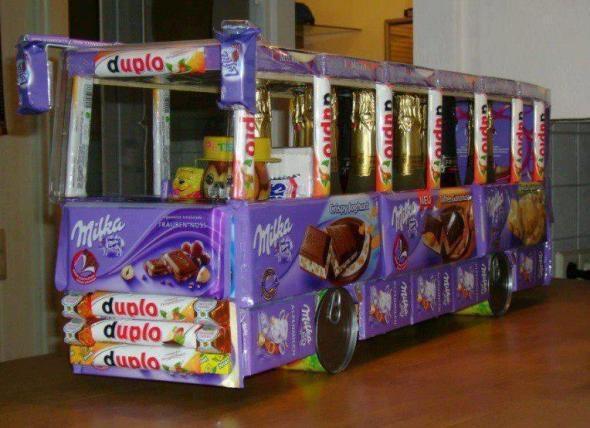 Geschenkideen Zum 16 Geburtstag  Auto aus Süßigkeiten basteln Geschenk Bus Schokolade
