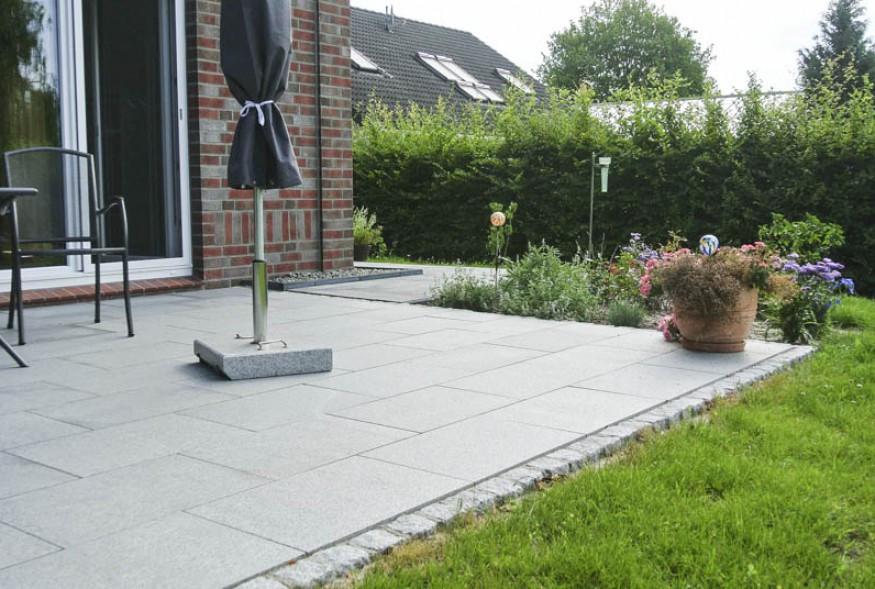 Granitplatten Terrasse  Pflasterarbeiten Granitstufen und Terrasse Bollmeyer Bau