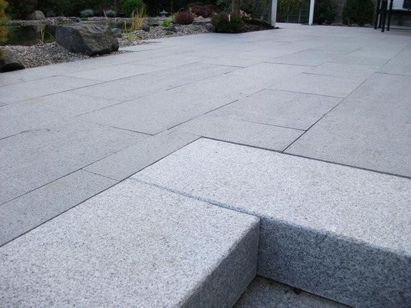 Granitplatten Terrasse  Vorteil geflammte Oberfläche bei Naturstein jonastone