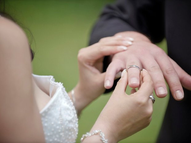 Günstig Hochzeit Feiern  Heiraten mal günstig So feiern Sie mit wenig Geld eine