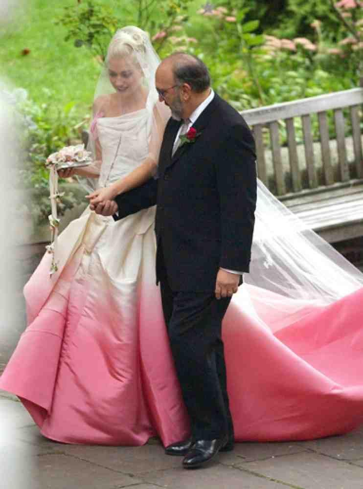 Gwen Stefani Hochzeitskleid  Gwen Stefani Pink Wedding Dress