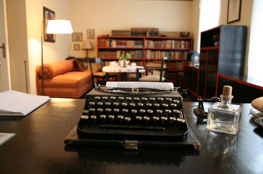 Hans Fallada Haus  Hans Fallada in Carwitz Im Haus des Schriftstellers