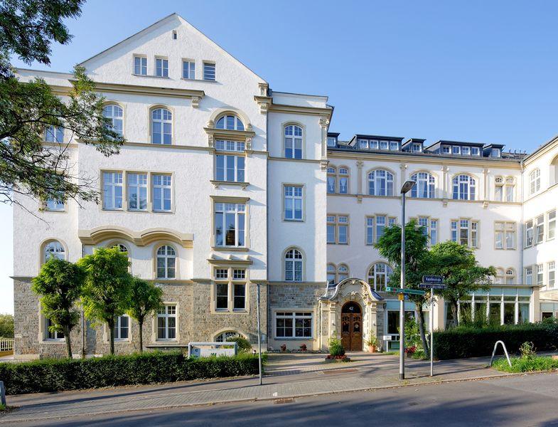 Haus 42 Wiesbaden  Senioren und Pflegeheim in Wiesbaden Maternus
