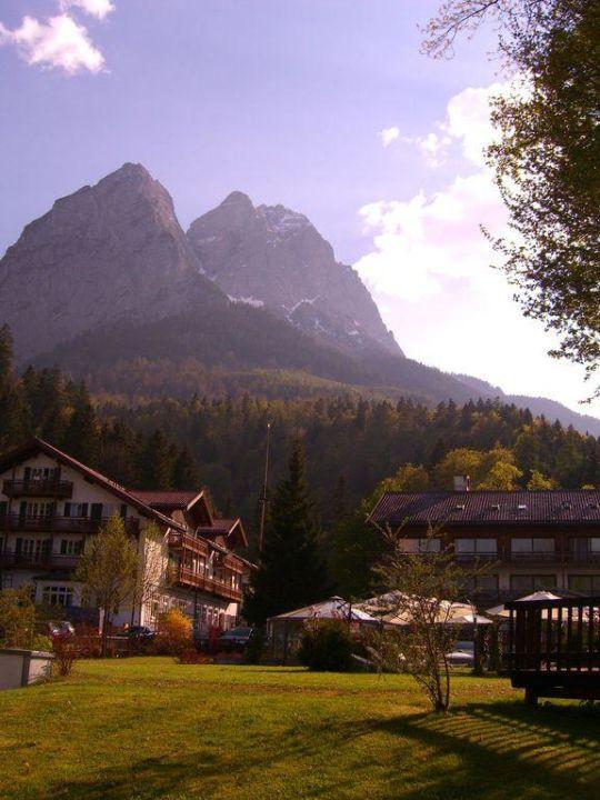 "Haus Hammersbach  ""Haus Hammersbach"" SENTIDO Zugspitze Berghotel Hammersbach"