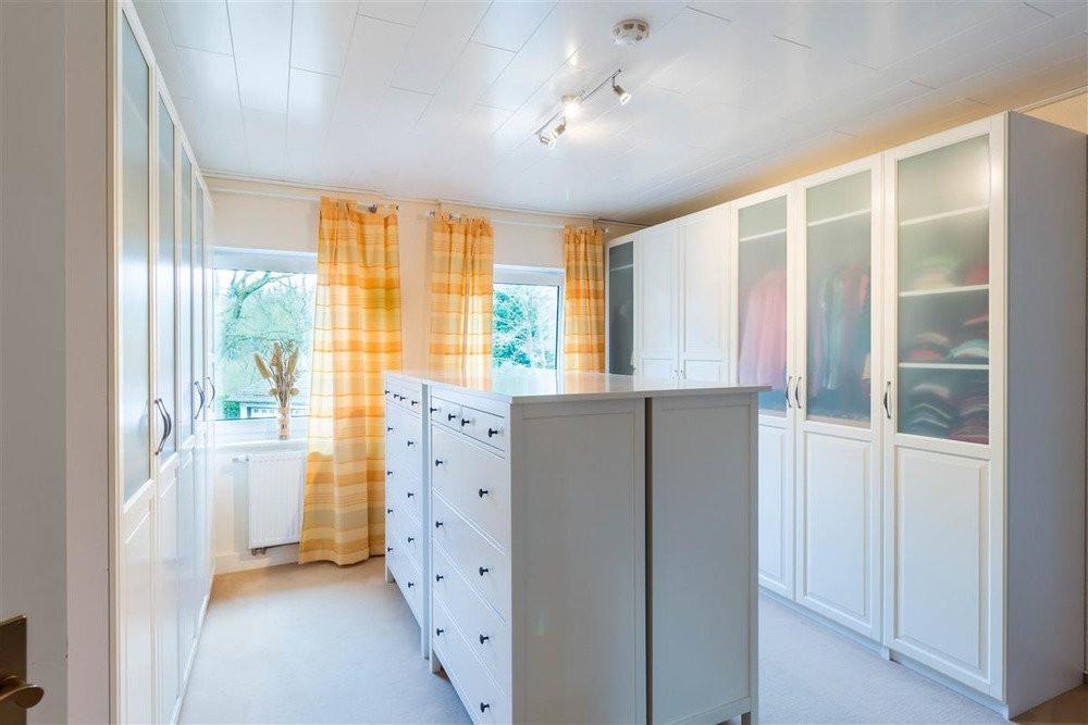 Haus Kaufen Möhnesee  Einfamilienhaus in Möhnesee zu verkaufen Direkt am Wasser