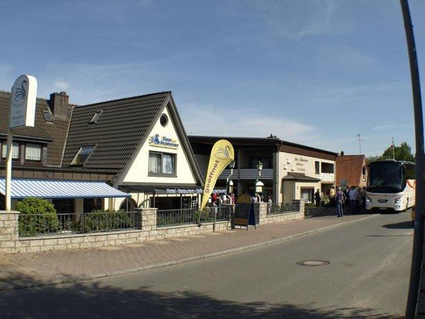 Haus Schwanensee  Haus Schwanensee Bosau pare Deals