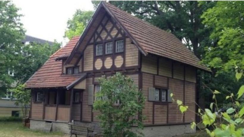 Haus Zu Verschenken  Haus zu verschenken In Köpenick kann man sich ein altes